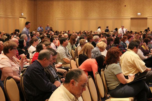 photo of lots of people attending the general session